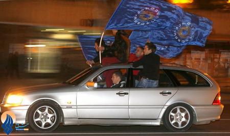 شادی هواداران کاندیدای حزب نخستوزیر کنونی گرجستان بعد از پیروزی وی در انتخابات