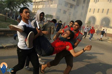 درگیری دانشجویان حامی محمد مرسی با نیروهای امنیتی در قاهره