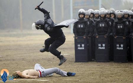 رزمایش نیروهای ضد شورش چین
