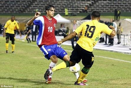 کاستاریکا: برایان رویز (Bryan Ruiz) - مهاجم تیم فولام با زدن 3 گل در دور مقدماتی و بازیهای درخشان نقش بسزایی در صعود مستقیم کاستاریکا داشت.