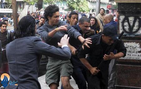 ادامه درگیریها میان نیروهای نظامی و دانشجویان در مصر