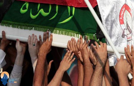 مراسم تشییع پیکر یک نوجوان 15 ساله بحرینی که به دست نیروهای آل خلیفه به شهادت رسید