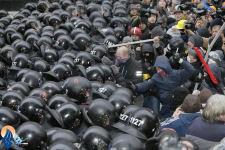 ادامه اعتراضات سراسری و ضددولتی مردم اکراین