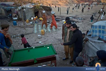 بازی کردن بیلیارد کولی نشینان در  پاکستان