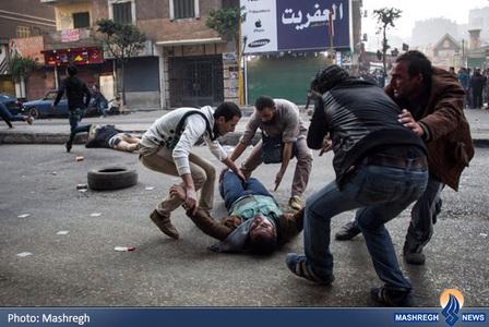 خشونت پلیس ضدشورش مصر برای متفرق کردن حامیان محمد مرسی