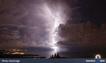 رعد و برق در نزدیکی دهانه رودخانه Catatumbo در ونزوئلا