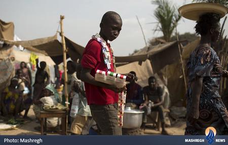 نوجوان دستفروش در آفریقا