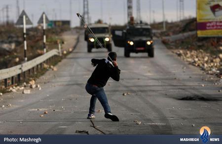 شجاعت نوجوان فلسطینی در مقابل سربازان رژیم صهیونیستی