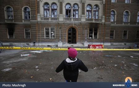 آتش سوزی ساختمان ریاست جمهوری در سارایوو بدست معترضان