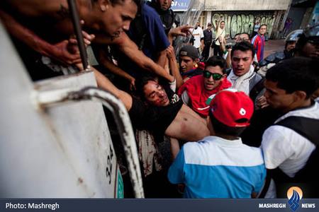 درگیری بین معترضین و نیروهای پلیس در کاراکاس