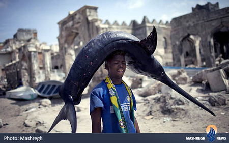صید شمشیر ماهی توسط ماهیگر سومالیایی