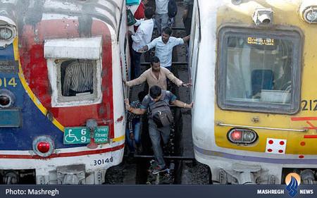 ایستگاه قطار بمبئی
