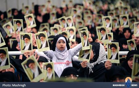 حاشیه دیدار مردم آذربایجان با مقام معظم رهبری در تهران