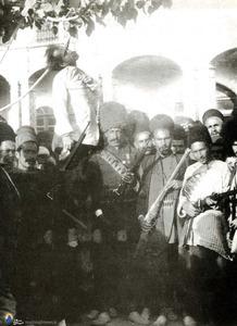به دار کشیدن« صنیع حضرت» رئیس قورخانه محمد علی شاه توسط مشروطه خواهان درمشروطه دوم