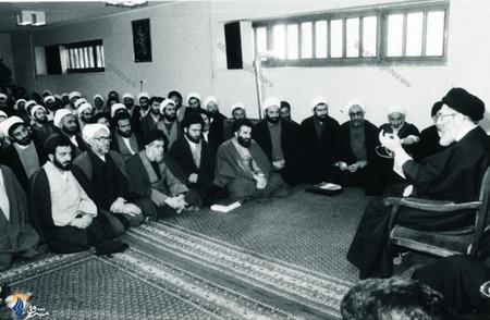 مراسم بیعت جمعی ازفضلا ومدرسین حوزه علمیه قم با رهبرمعظم انقلاب