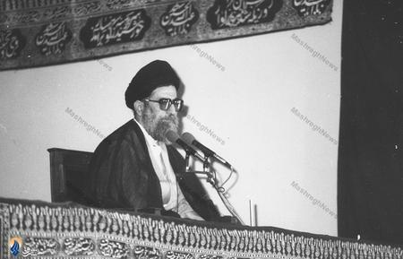 از آغازین دیدارهای رهبر معظم انقلاب در محوطه نهاد ریاست جمهوری