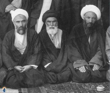 تهران، آیت الله العظمی آخوند همدانی درکنار مرحوم حجت الاسلام والمسلمین فلسفی