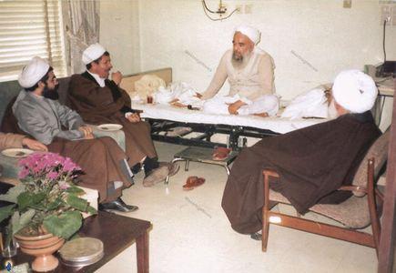حسن روحانی به اتفاق اکبرهاشمی رفسنجانی درعیادت از شهید آیت الله صدوقی