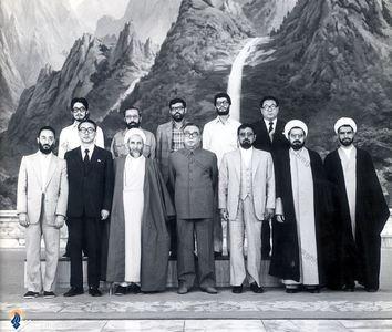 حسن روحانی به اتفاق آیت الله محمد یزدی و هیئتی از مجلس شورای اسلامی در سفر به کره شمالی