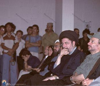 یاسر عرفات، امام موسی صدر و پوران شریعت رضوی در مراسم بزرگداشت دکتر علی شریعتی دربیروت
