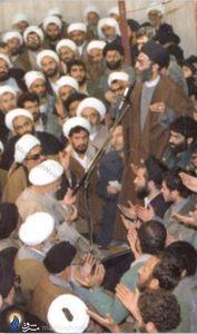 1358/حسینیه جماران/ شهید آیت الله محمد صدوقی درکنار رهبر معظم انقلاب حضرت آیت الله خامنه ای