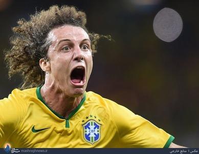 شادی بعد از گل داوید لوئیز،مدافع تیم ملی برزیل مقابل کلمیبا