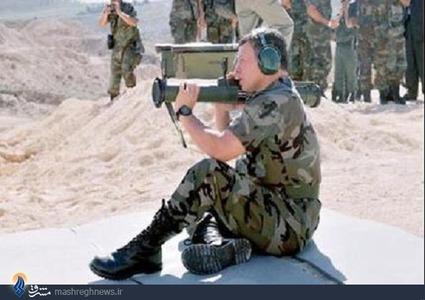 عبدالله دوم ، پادشاه اردن در حال آزمایش RPG-32