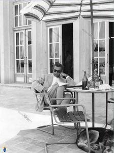 محمدرضا پهلوی در سفر به یکی از کشورهای اروپایی در دهه30