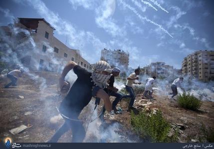 درگیری جوانان فلسطینی با سربازان صهیونیستی در شهر رام الله