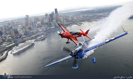 نمایش هوایی خلبانان گارد ملی برفراز شهر سیاتل آمریکا