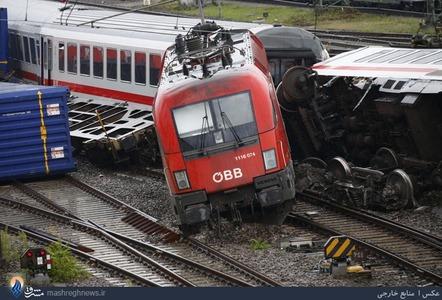 خروج یک قطار مسافربری در آلمان و زخمی شدن بیش از 40 نفر از مسافران آن