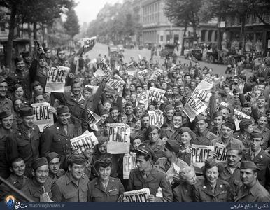 راهپیمایی سوری سربازان ارتش آمریکا بعد از پایان بمب باران هیروشیما و کشتار مردم بی گناه، که درخواست پایان جنگ از دولت آمریکا را داشتند.