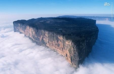 کوه رورایما در مرز مشترک سه کشور برزیل،ونزوئلا و گویان