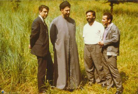 امام موسی صدر در کنار دکتر صادق طباطبایی و برخی دیگر از دوستان در بوخوم آلمان