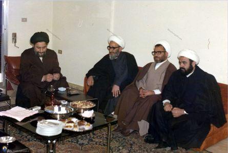 امام موسی صدر در دیدار با آیات و حجج اسلام محمدی عراقی، غلامرضا گلسرخی و عبدالامیر قبلان