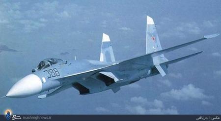 Nr.5 Sukhoi Su-27 (Russia).سوخو سو–27 (به روسی: Сухой Су-27) جت جنگنده دوموتوره سنگین و دوربرد برتری هوایی است که در دوران اتحاد جماهیر شوروی توسط دفتر طراحی سوخو طراحی و ساخته شدهاست. این جنگنده در سازمان ناتو با نام «فلانکر» شناخته میشود.این جنگنده، در اصل برای ایجاد توان مقابلهٔ نیروی هوایی اتحاد شوروی در برابر نسل جدید جنگندههای آمریکایی به خصوص اف-15 ساخته شد. سوخوی27 دارای برد پروازی استثنایی، قابلیت حمل مهمات بالا و چابکی فوق العادهاست. جنگندهٔ سوخوی27 اغلب در نقش «ماموریتهای برتری هوایی» به کار گرفته میشود، اما قادر است در اغلب ماموریتهای رزمی دیگر نیز شرکت کند.جنگندهٔ سوخوی27، حاصل یک مناقصهٔ انجام شده جهت تولید جنگنده بین شرکتهای میکویان گورویچ و سوخو در دهه 1970 و ماحاصل این مناقصه، منجر به تولید سوخوی 27 و میگ 29 شدهاست که ظاهری شبیه به هم دارند.قیمت هر فروند 35 میلیون دلار