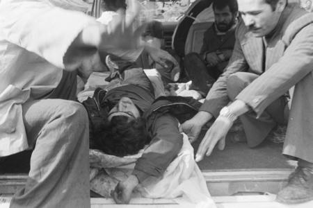نمایی از کشتار مردم درمیدان شهدا در17 شهریور57