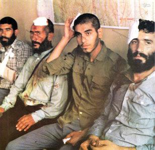 1366، چند تن از زائران مجروح ایرانی در مراسم برائت از مشرکین درمکه مکرمه