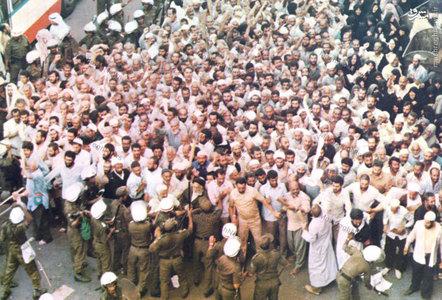1366، محاصره زائران ایرانی توسط نیروهای آل سعود درمحل برگزاری مراسم برائت از مشرکین درمکه مکرمه