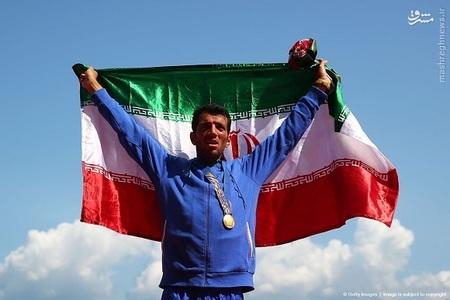 محسن شادی مدال طلای روئینگ تک نفره سنگین وزن مردان را به دست آورد.