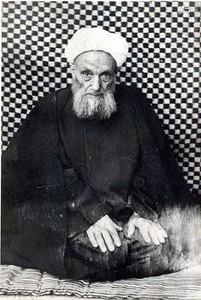 علامه فقید مرحوم شیخ آقا بزرگ تهرانی نویسنده موسوعه بزرگ «الذریعه الی تصانیف الشیعه»