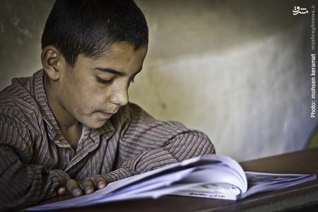 صمد خدیر،بزرگترین دانش آموز این مدرسه است که در پایه پنجم دبستان مشغول به تحصیل است.