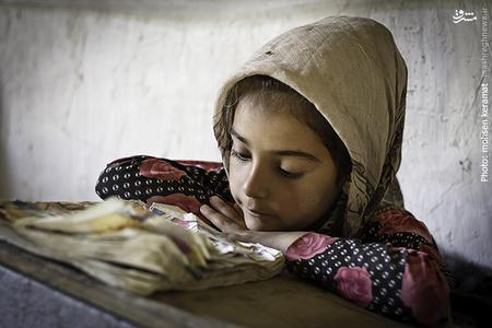 معصومه نیز تنها دختر این مدرسه است که کلاس دوم را پشت سر میگذارد.