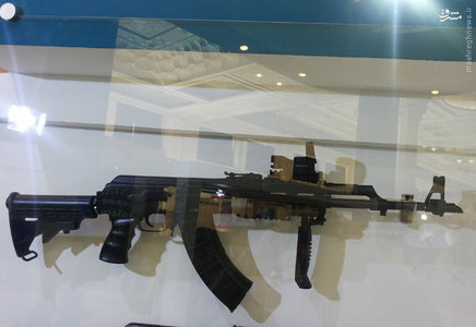 اسلحه کلاشینکف در نمایشگاه ایپاس تهران مجهز به سامانه هدفگیری انعکاسی