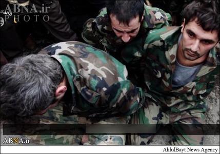 resized 786603 778 لگد کوب کردن افسران سوریه+تصاویر