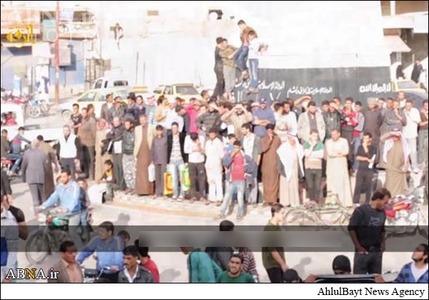 resized 786606 533 لگد کوب کردن افسران سوریه+تصاویر