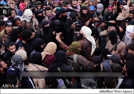 resized 786607 368 لگد کوب کردن افسران سوریه+تصاویر