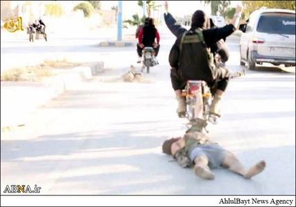 resized 786608 840 لگد کوب کردن افسران سوریه+تصاویر