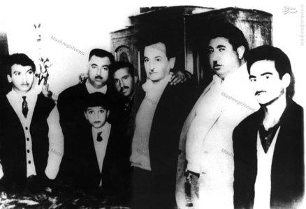 شهید طیب حاج رضایی در یکی از گلزیزانها در یکی از زورخانههای تهران