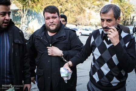 resized 788603 464 عکس/ مایلی کهن در زندان اوین